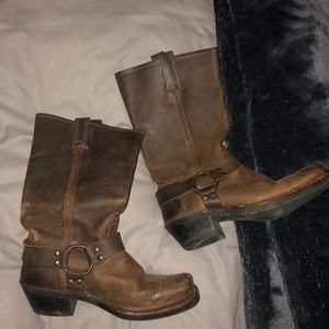 harness frye boots size 8